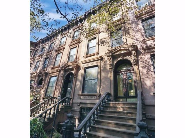 6 BR,  3.00 BTH  Multi-family style home in Park Slope